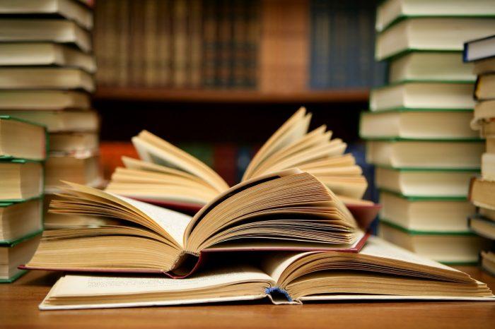 50 книг для тех, кто связан с копирайтингом, рекламой, маркетингом и социумом