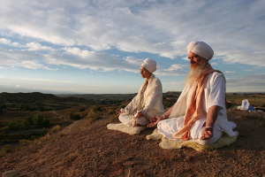 12 уроков йоги, которые не позволят людям управлять вами
