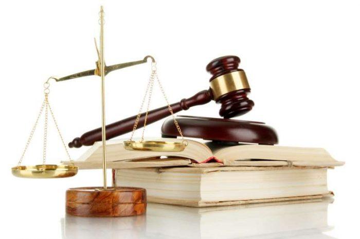Штатный юрист или юрист на аутсорсе: что выгоднее для бизнеса?