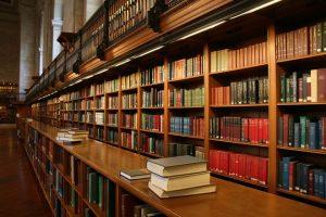 10 книг-биографий из мира богатых людей