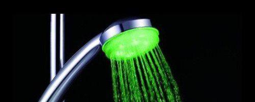Бизнес идея: Дополнительный заработок с помощью подсветки воды в кране