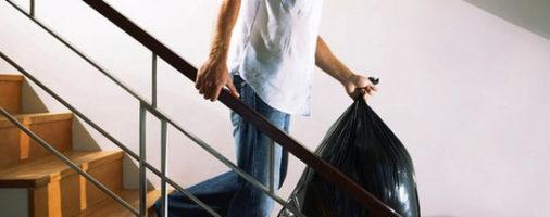Бизнес идея: на выносе мусора из квартир граждан